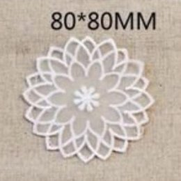 ผ้าลูกไม้แบบโปร่ง ใช้สำหรับเย็บตกแต่ง ขนาด 8 x 8 cm. ราคาอันละ