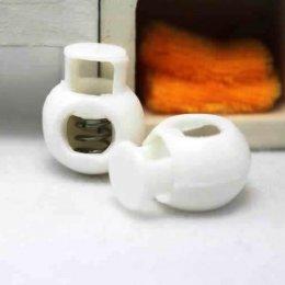 ตัวล็อคเชือกสีขาว ขนาด 1.7 x 2.3 cm. สำหรับเชือกหนา 0.5 cm. (4 อัน/set)