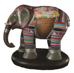 18. ช้างดอย กับ ดอกไม้งาม