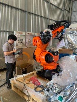 ใช้กันลืมๆ‼ คุ้มกว่าใคร‼ แต่จ่ายได้ในราคาเดิม‼ เพียงซื้อ KUKA Robot ใหม่
