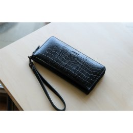 MeLLow - Round Zip Wallet - Shining Black (Cow leather with Croco Embossed)