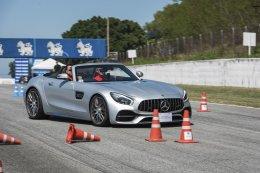 """เมอร์เซเดส-เบนซ์ ย้ำภาพผู้นำด้านการขับขี่ระดับโลก จัดกิจกรรมขับขี่ปลอดภัยใน """"Marriott Mercedes-Benz Client Appreciation Days 2020"""" ขนทัพรถหรูกว่า 24 รุ่นร่วมทดสอบที่สนามพีระเซอร์กิต พัทยา"""