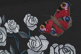โรลส์-รอยซ์ เนรมิตสวนกุหลาบในห้องโดยสารแฟนธอมด้วยงานปัก 1 ล้านฝีเข็ม