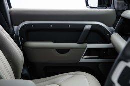 แลนด์โรเวอร์ ดีเฟนเดอร์ ใหม่ (All-New Land Rover Defender) ตำนานแห่งแลนด์โรเวอร์ ราคาอย่างเป็นทางการ 5,400,000 บาท พร้อมพลิกโฉมการสั่งรถแลนด์โรเวอร์ด้วยดิจิทัลแพลตฟอร์ม