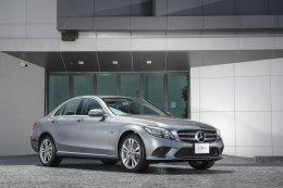 เมอร์เซเดส-เบนซ์ รุกขยายพอร์ตโฟลิโอแบรนด์ EQ เปิดตัวรถยนต์    ปลั๊กอินไฮบริดเจนเนอเรชั่นที่ 3 Mercedes-Benz C 300 e              รุ่นประกอบในประเทศ สุดยอดยนตรกรรมซาลูนอัจฉริยะรุ่นใหม่ล่าสุด