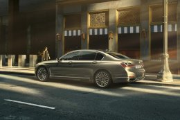 BMW เปิดผ้าคลุมซีรี่ส์ 7 โฉม LCI ลุยตลาดลักชัวรี่ซาลูน
