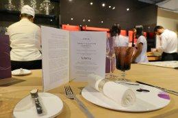 ดินเนอร์สุดหรูกับค่ำคืนแสนพิเศษ ในงาน Redefining Luxury Lifestyle Exclusive Dinner