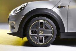 MINI Cooper SE  ใหม่ ราคาจำหน่าย: 2,290,000 บาท  (รวม MSI Standard)