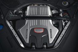 ขุมพลังเครื่องยนต์ V8 เทอร์โบคู่ 460 แรงม้า พร้อมระบบช่วงล่างแบบสปอร์ต ครบครันด้วยอุปกรณ์อำนวย ความสะดวกล้ำสมัย