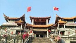 ไหว้พระขอคู่วัดหลงชาน (Lungshan) ที่ไต้หวัน