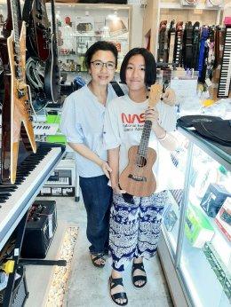 ลูกค้า Music Store