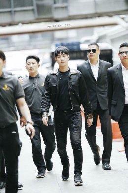 ภาระกิจครั้งนี้ทีม BODYGUARD VIP THAILAND มาอารักขาและรักษาความปลอดภัยในงาน มินิคอนเสิร์ท เป็ก ผลิตโชค ในงาน Event ACER ณ ศูนย์การค้าเซ็นทรัลลาดพร้าว