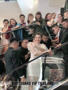 คุณเบลล่า ราณี (แม่การะเกด ออเจ้า ในละครเรื่องบุพเพสันนิวาส) ที่ Siam Square One