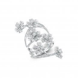 แหวนเพชรหน้ากว้างรูปดอกไม้ 6 ดอก
