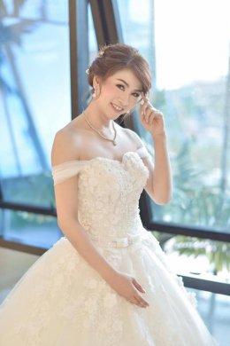 5 เหตุผลที่คุณควรมีชุดแต่งงานในแบบของคุณเอง ...