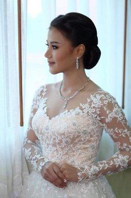 เคล็ดลับ 5 ข้อในการเลือกเครื่องประดับสำหรับชุดแต่งงานของคุณ