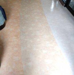 กระเบื้องยางลายหินอ่อนสลับสีปูทับกระเบื้องพื้นสำนักงาน
