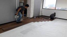พื้นกระเบื้องยางราคาถูกเหมาะกับงานพื้นสำนักงานที่มีขนาดใหญ่