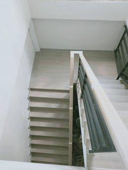 6 ชนิดบันไดบ้านยอดนิยม แบ่งตามวัสดุและกระบวนการผลิตบันได ข้อดีและข้อแตกต่างของบันไดแต่ละชนิด