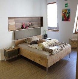 ปูกระเบื้องยางลายไม้ปูกาวสำหรับพื้นห้องนอน