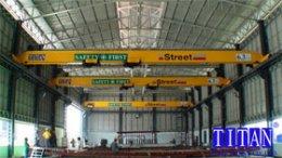 เครนเหนือศีรษะ แบบคานเดี่ยวน้ำหนักยก 3.2+3.2 ตัน กว้าง 17 เมตร ยกสูง 10 เมตร รางวิ่งยาว 100 เมตร
