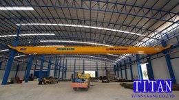 เครนเหนือศีรษะ แบบคานคู่ น้ำหนักยก 5 ตัน กว้าง 33 เมตร ยกสูง 6.5 เมตร รางวิ่งยาว 60 เมตร