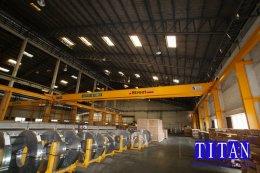 เครนเหนือศีรษะ แบบคานคู่ น้ำหนักยก 5 ตัน กว้าง 26 เมตร ระยะยกสูง 10 เมตร รางวิ่งยาว 72 เมตร
