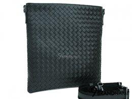 Bottega Veneta Messenger Petit Format Black Size 25cm  - Authentic Bag กระเป๋า บอเตก้า ครอสบอดี้ เปทิท สีดำ ไซส์ 25 CM  รุ่นนิยมสุดฮิต สีดำสวยหรู สายปรับระดับสั้นยาวได้ ซิปด้านบนใช้งานสะดวกคะ