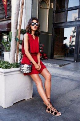 5 วิธีถ่ายรูปอย่างไรให้ขาเรียวยาวดูเป็นนางแบบในแบบวันหยุดของคุณ