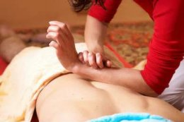 How does deep tissue massage work?