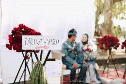 "Covid แต่งงาน ""Drive -Thru"""