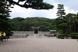 """สุสาน """"รูกุญแจ"""" ของจักรพรรดิ์ญี่ปุ่น ความลับที่ยังไม่ถูกเปิด"""