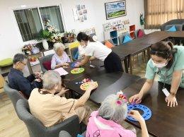 ความสามารถในการรับรู้เข้าใจบกพร่อง (Orientation) เป็นปัญหาเบื้องต้นที่พบมากในผู้ที่มีภาวะสมองเสื่อม | รพ.ผู้สูงอายุ Chersery Home
