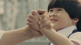 """เซ็นทรัล รีเทล ปล่อยภาพยนตร์โฆษณา """"พร้อม…""""  ปลุกคนไทยให้พร้อมสู้กับทุกวิกฤตชีวิต"""