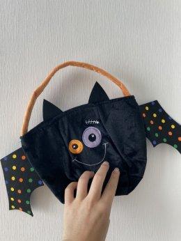 กระเป๋าใส่ขนม trick or treat!!!