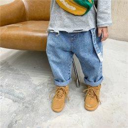 กางเกงยีนส์เอวยืด มาพร้อมเข็มขัดสายยาว สีฟอกสวยมาก