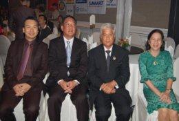 AJ รับโล่รางวัลผู้ผลิตเครื่องไฟฟ้า บริษัทยอดเยี่ยมแห่งปี 2554