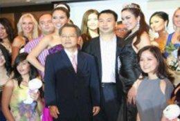 คุณ อมร มีมะโนร่วมแถลงข่าวการประกวด Supermodel of Asia Pacific 2554