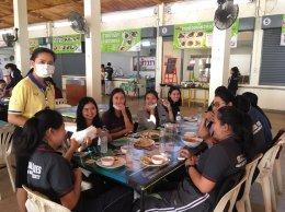 ม.ราชภัฏลำปาง นำหน้ากากอนามัยแจกจ่ายให้กับนักศึกษาป้องกันตัวเองจากฝุ่นละออง ค่าฝุ่น PM2.5