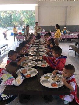 ป.ป.ช.ลำปางทำงานเชิงรุกสุ่มตรวจเฝ้าระวังการทุจริตอาหารกลางวันในโรงเรียนทั่วลำปาง