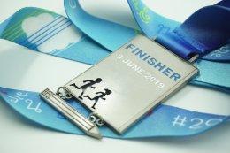 เหรียญรางวัลวิ่ง Run Pans แบบเรืองแสง