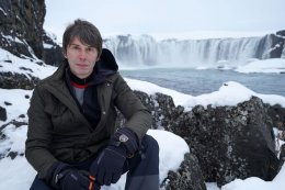 Mars was once 'Earth-like' with rivers and 4km waterfalls says professor Brian Cox