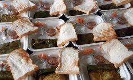 สนับสนุน อาหาร 200 กล่อง ให้กับบุคลากรทางการแพทย์ ที่ทำงานอยู่โรงพยาบาลสนาม
