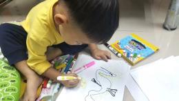 วาดเล่นไปเรื่อย ก้าวเเรกของลูก ที่ได้เเสดงความคิดสร้างสรรค์