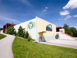โรงเรียนมัธยมเเคนาดา_Study_in_Canada_เรียนต่อแคนาดา_Burnaby_School_District_Burnaby_Mountain_Secondary