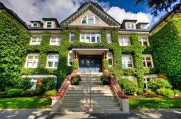 St_Michaels_University_School_โรงเรียนมัธยมเเคนาดา