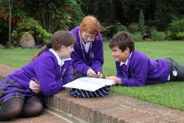 เรียนต่ออังกฤษ_โรงเรียนประจำอังกฤษ_เรียนมัธยมอังกฤษ_Queen_Ethelburga_s_Collegiate