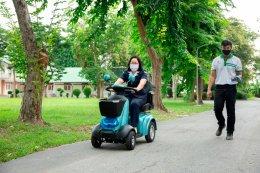 เอช เซม สนับสนุนรถสี่ล้อไฟฟ้า