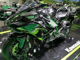 Kawasaki เปิดตัว Ninja ZX-25R เครื่องยนต์ 250 ซีซี 4 สูบ ในไทย