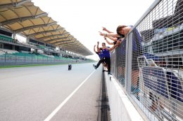 ต๋ง-พีรพงศ์ ระเบิดฟอร์มเทพ กระชากคันเร่ง R6 คว้าชัยรุ่น SuperSports 600 นำธงไทยโบกสะบัดเหนือโพเดี้ยม